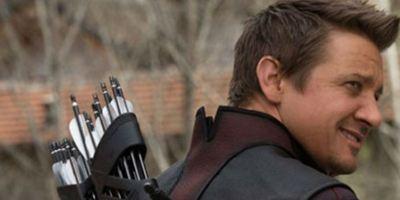Jeremy Renner habla del significado del tatuaje conjunto de 'Los Vengadores'