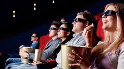 Comer palomitas en el cine nos hace inmunes a la publicidad