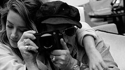 Amber Heard niega que defecase en la cama de Johnny Depp