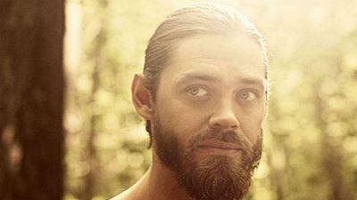 'The Walking Dead': Tom Payne sugiere que habrá un episodio 'flashback' detallando la salida de Maggie