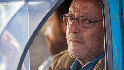 '4 latas', la 'road movie' en el desierto que convenció a Jean Reno para actuar en español