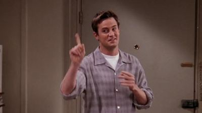 En 'Friends' no se ponen de acuerdo: ¿Chandler sabe ligar con chicas o no?