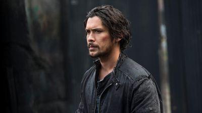'Los 100': El regreso de Bellamy en el 7x11 desbarata todos los planes de Clarke