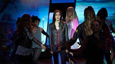 Los personajes de 'Legacies' se meterán en la piel de Damon, Elena, Stefan y compañía para un musical: ¿Quién interpretará a quién?