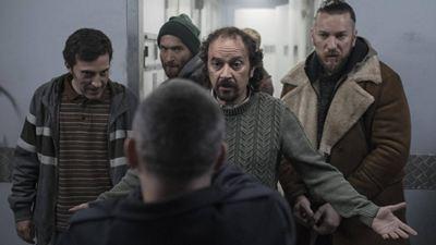Clases de apnea, grupos de WhatsApp... 10 anécdotas locas de 'Bajocero', el 'thriller' español de Netflix que bate récords