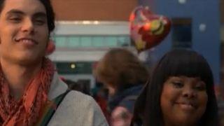 'Glee': primeras actuaciones de Samuel Larsen y de los padres de Rachel en 'Heart' (3x13)