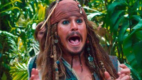 """Johnny Depp se ausenta de una presentación de 'Mortdecai' tras ser """"atacado por un chupacabras"""""""