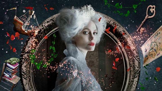 'Érase una vez...': Angelina Jolie se convierte en la Reina de Corazones de 'Alicia en el País de las Maravillas'