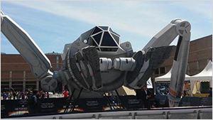 'Independence Day: Contraataque': Descubre el 'Moon Tug' expuesto en Ficomic