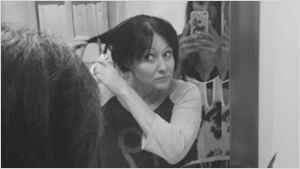 Shannen Doherty publica unas emotivas imágenes rapándose la cabeza debido a su cáncer de pecho