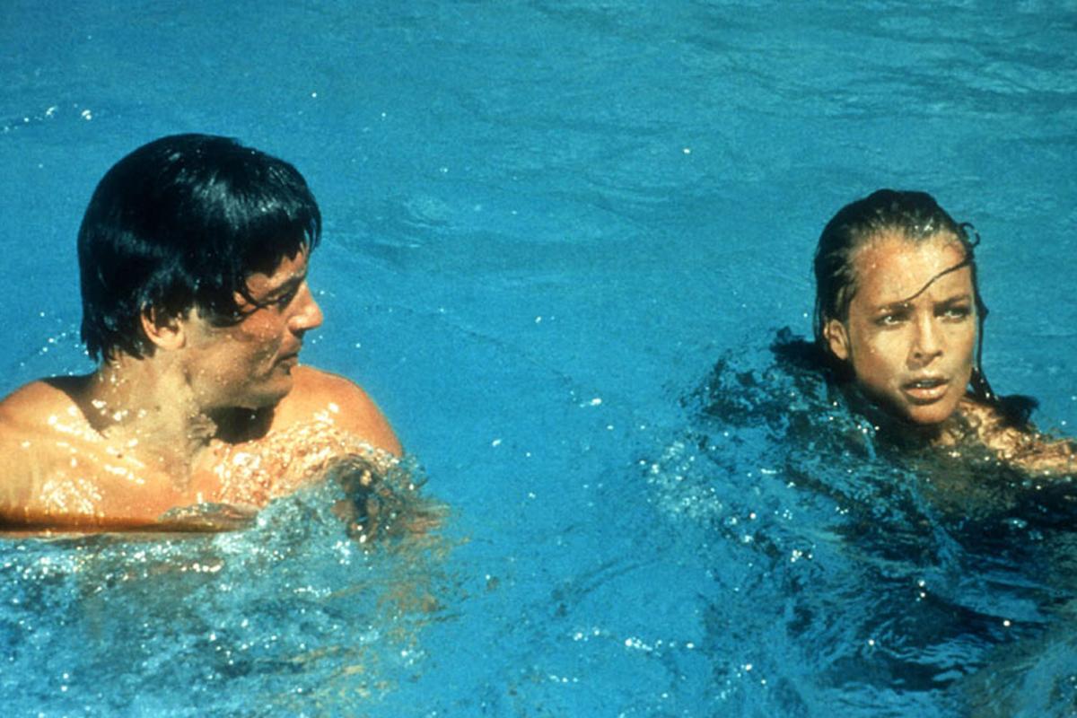 Foto de romy schneider la piscina foto alain delon for Piscinas actur