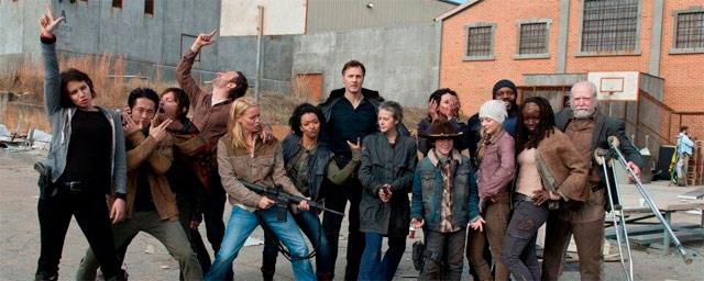 The Walking Dead\' busca una pareja de jóvenes supervivientes para la ...