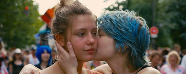 Resultado de imagen para besos lesbico