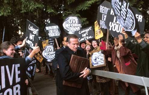 La memoria de los muertos: Robin Williams, Omar Naim