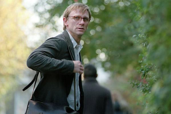 El intruso : Foto Daniel Craig, Roger Michell