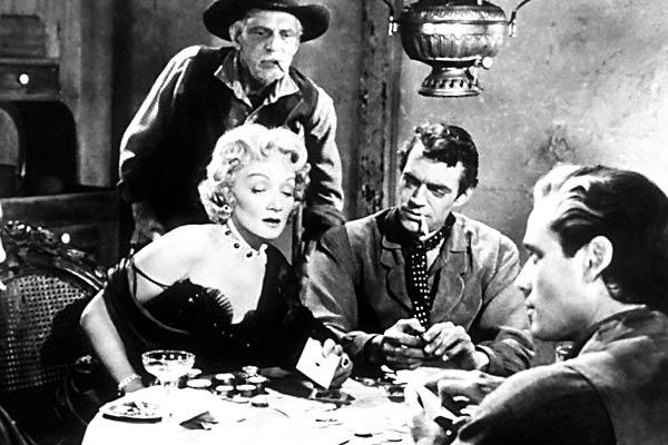 Encubridora : Foto Jack Elam, Marlene Dietrich, Mel Ferrer