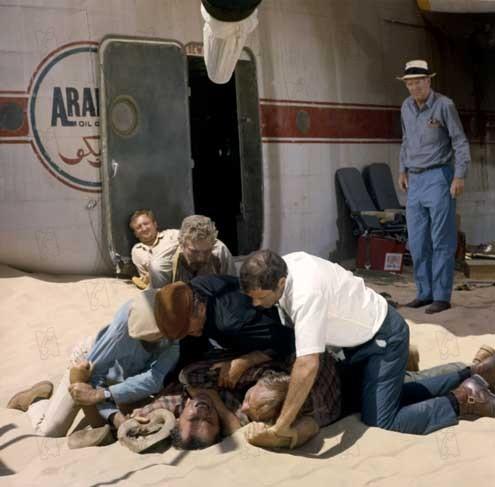 El vuelo del Fénix : Foto Christian Marquand, Dan Duryea, Ernest Borgnine, Ian Bannen, James Stewart