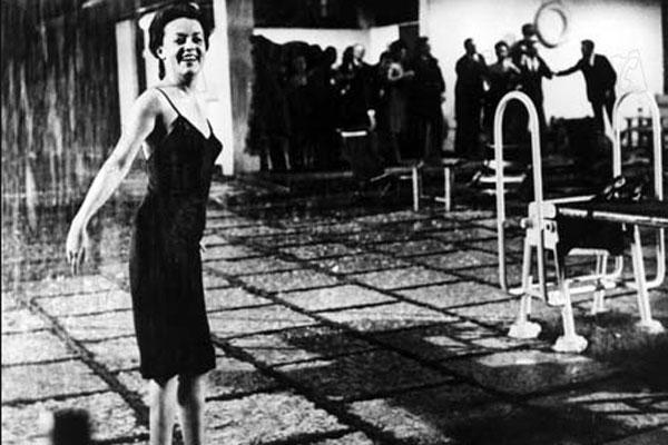 La noche : Foto Jeanne Moreau, Michelangelo Antonioni