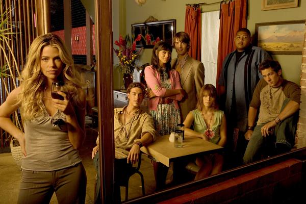 Foto Denise Richards, Eric Balfour, Lauren German, Lucas Bryant, Omar Benson Miller