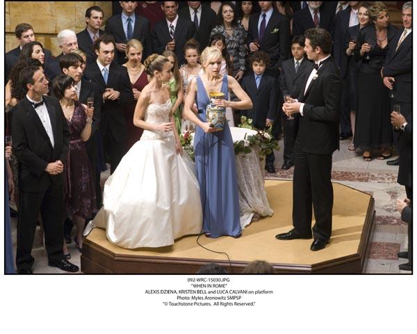 En la boda de mi hermana : Foto Alexis Dziena, Kristen Bell, Luca Calvani
