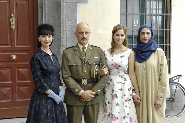 Amar en tiempos revueltos : Foto Alberto Jiménez, Belén Ponce de León, Manuela Paso, Natalia Sánchez