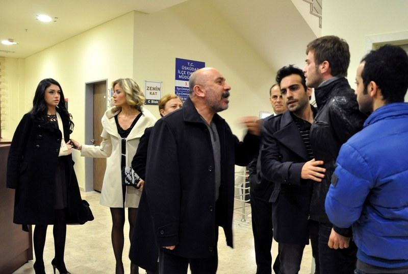 Foto Bade Isçil, Bugra Gülsoy, Hazar Ergüçlü, Kivanç Tatlitug, Mustafa Avkiran