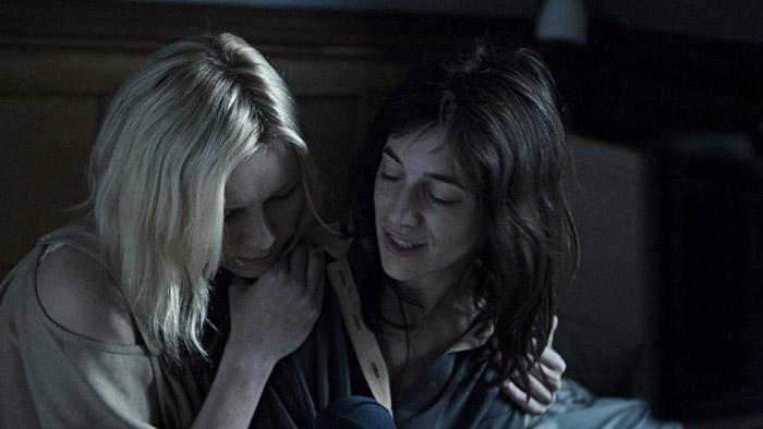 Melancolía: Kirsten Dunst, Charlotte Gainsbourg