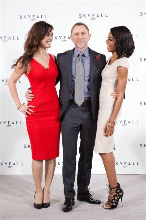 Skyfall : Couverture magazine Bérénice Marlohe, Daniel Craig, Naomie Harris
