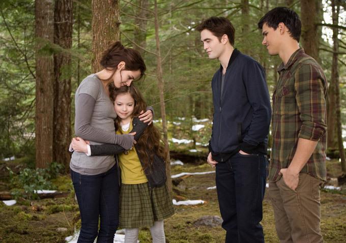 La saga Crepúsculo: Amanecer - Parte 2 : Foto Kristen Stewart, Mackenzie Foy, Robert Pattinson, Taylor Lautner