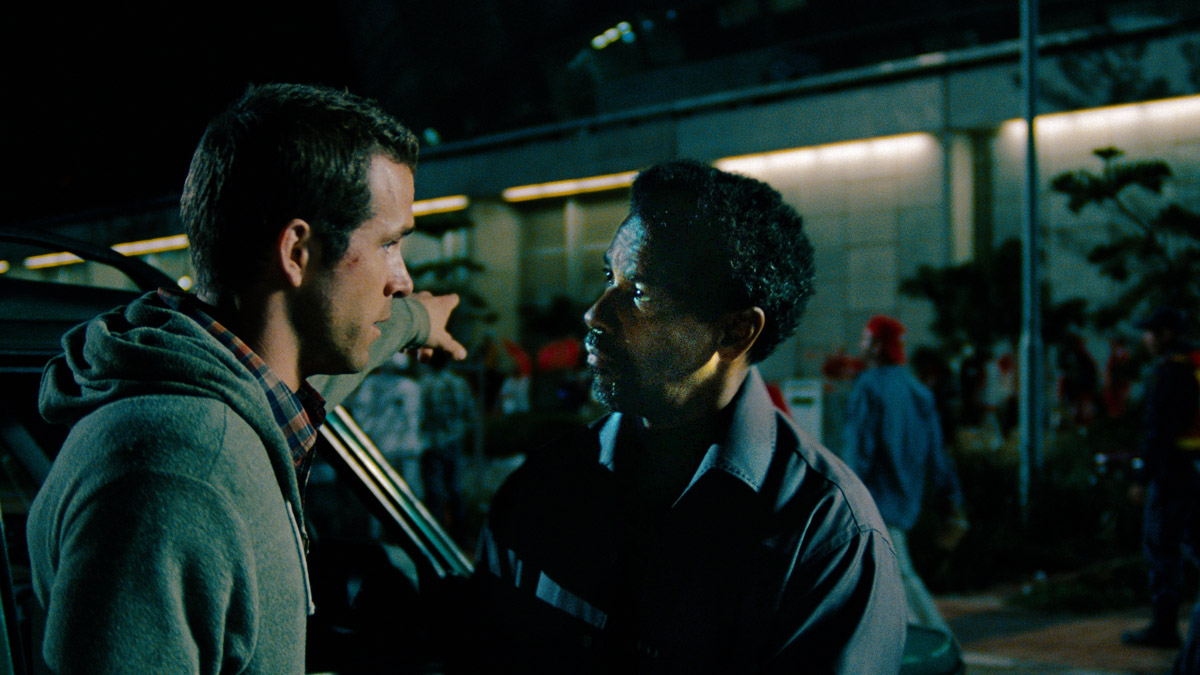 El invitado : Foto Daniel Espinosa, Denzel Washington, Ryan Reynolds