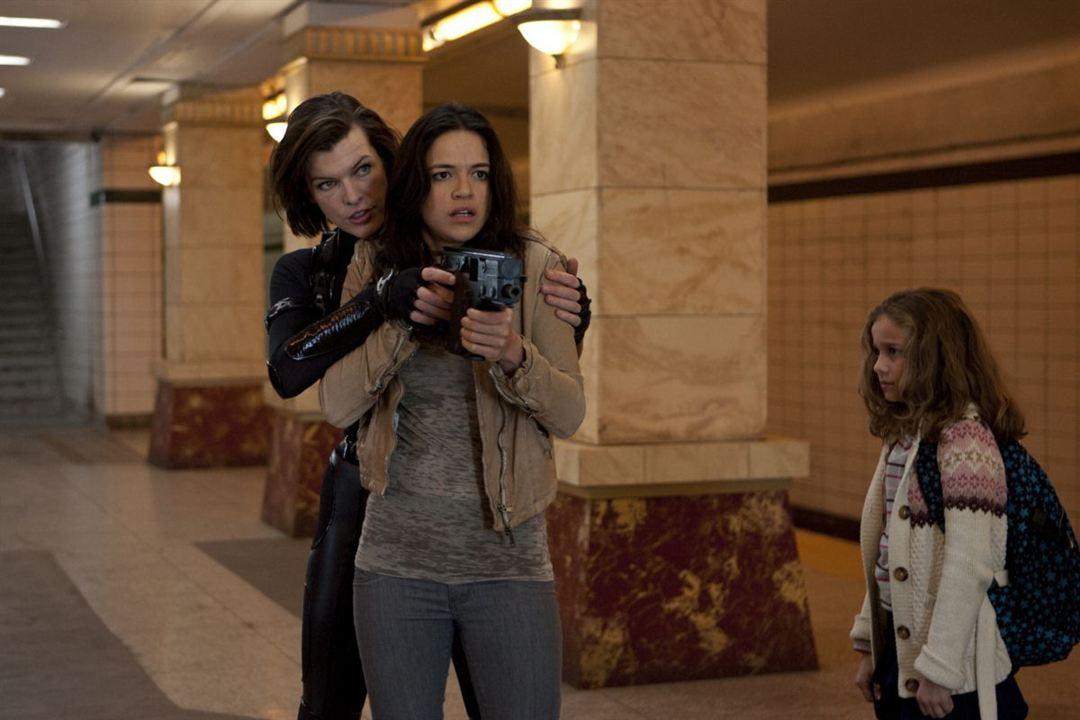 Resident Evil: Venganza : Foto Aryana Engineer, Michelle Rodriguez, Milla Jovovich