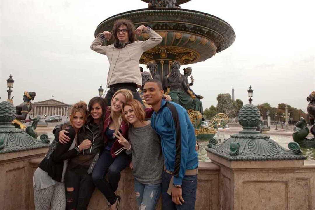 LOL : Foto Adam Sevani, Ashley Greene, Miley Cyrus