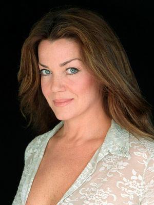 Cartel Claudia Christian