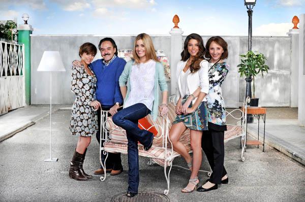 Familia : Foto Alexandra Jiménez, Juana Acosta, Mabel Rivera, Nausicaa Bonnín, Santiago Ramos