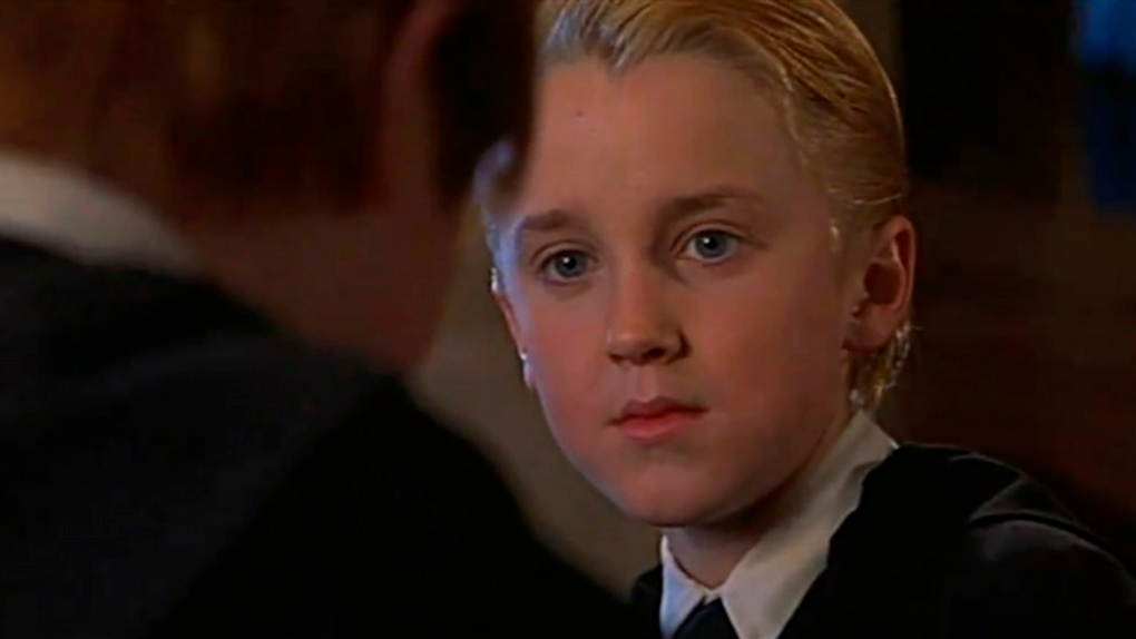 """""""Pelirrojo y túnica de segunda mano... Debes ser un Weasley"""""""