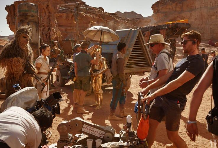 Otra imagen detrás de las cámaras en el desierto