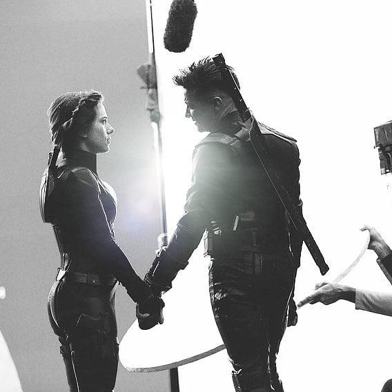 Scarlett Johansson y Jeremy Renner antes del sacrificio de Viuda Negra