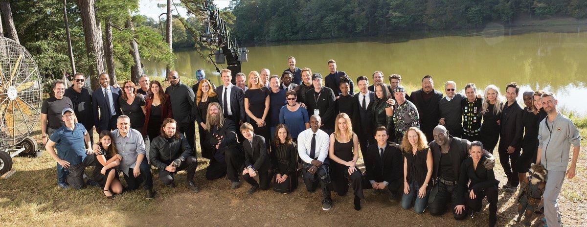 Foto de familia en el funeral de Tony Stark