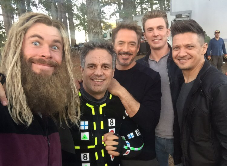 Chris Hemsworth, Mark Ruffalo, Robert Downey Jr., Chris Evans y Jeremy Renner