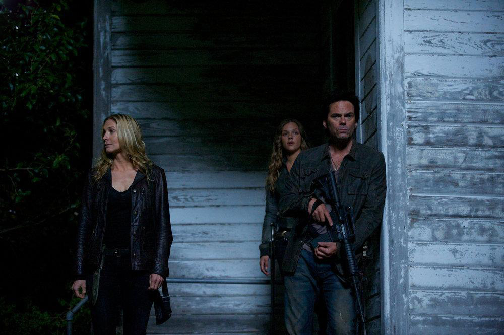 Foto Billy Burke, Elizabeth Mitchell, Tracy Spiridakos
