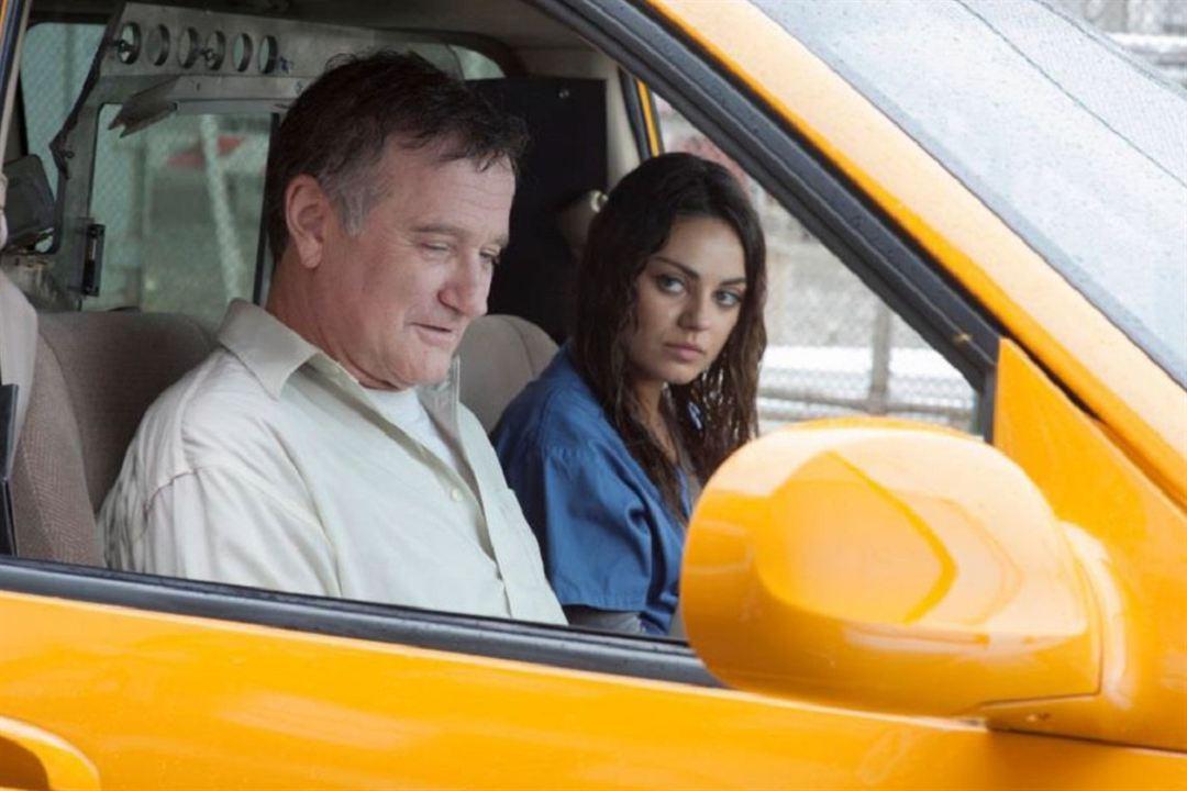 El hombre más enfadado de Brooklyn : Foto Mila Kunis, Robin Williams