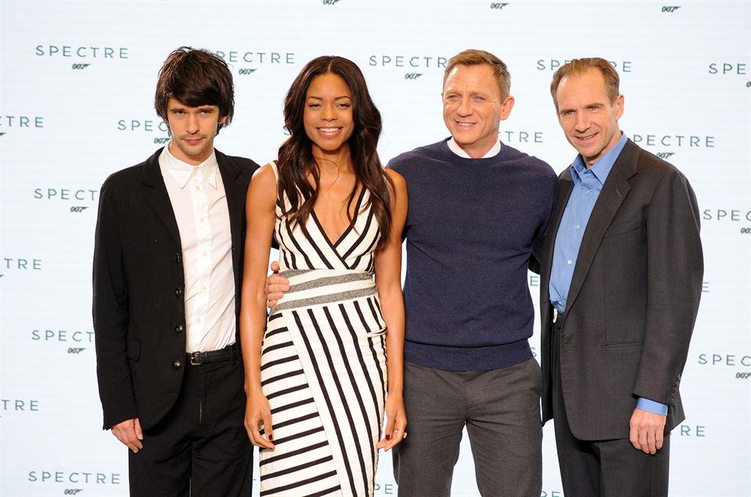 Spectre : Couverture magazine Ben Whishaw, Daniel Craig, Naomie Harris, Ralph Fiennes