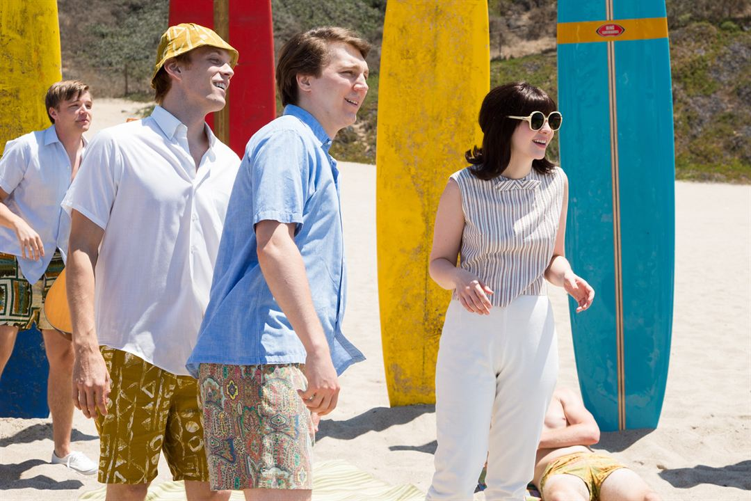 Love & Mercy : Foto Brett Davern, Erin Darke, Jake Abel, Paul Dano