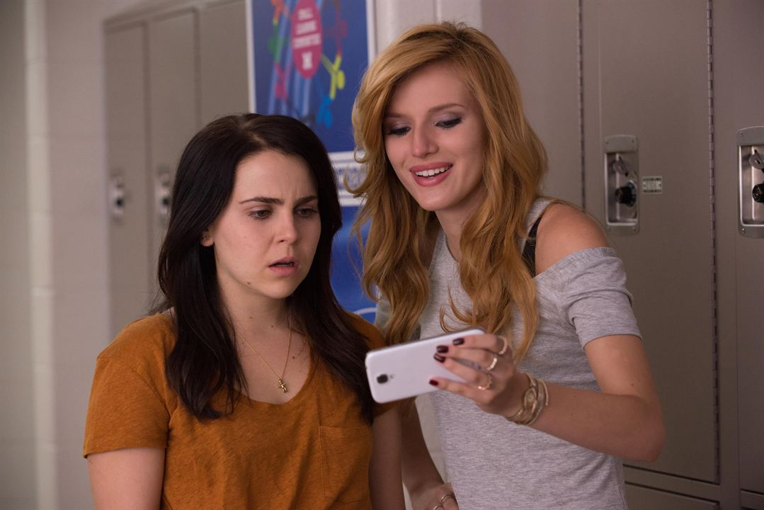 The DUFF : Foto Bella Thorne, Mae Whitman