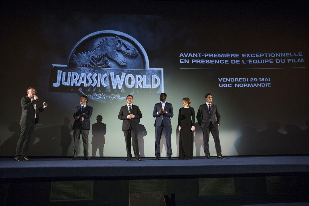 Jurassic World : Couverture magazine Bryce Dallas Howard, Chris Pratt, Colin Trevorrow, Omar Sy
