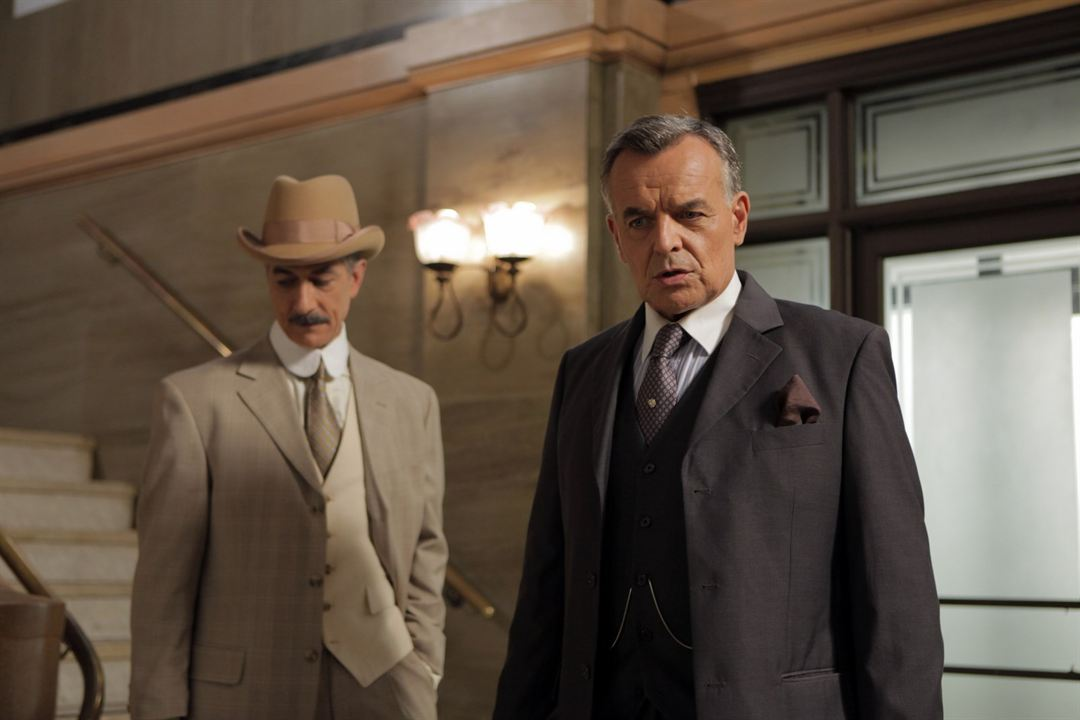Foto David Strathairn, Ray Wise