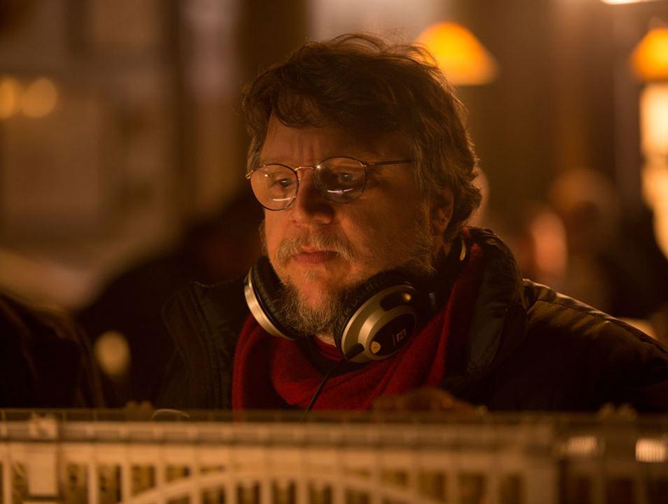 La cumbre escarlata : Foto Guillermo del Toro