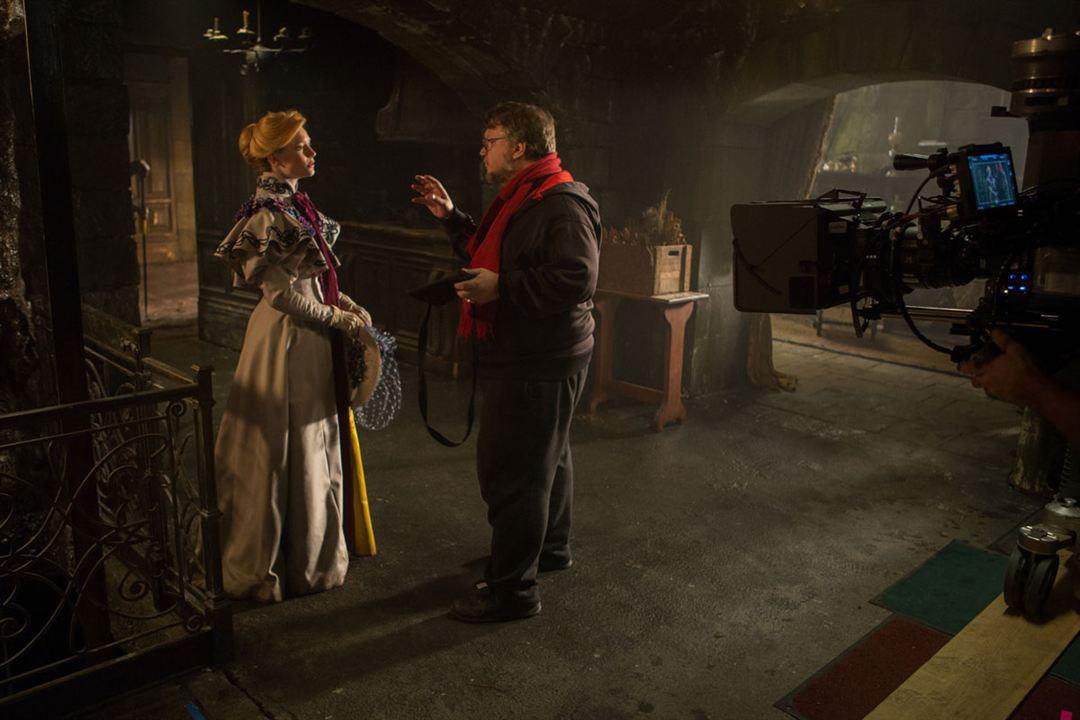 La cumbre escarlata : Foto Guillermo del Toro, Mia Wasikowska