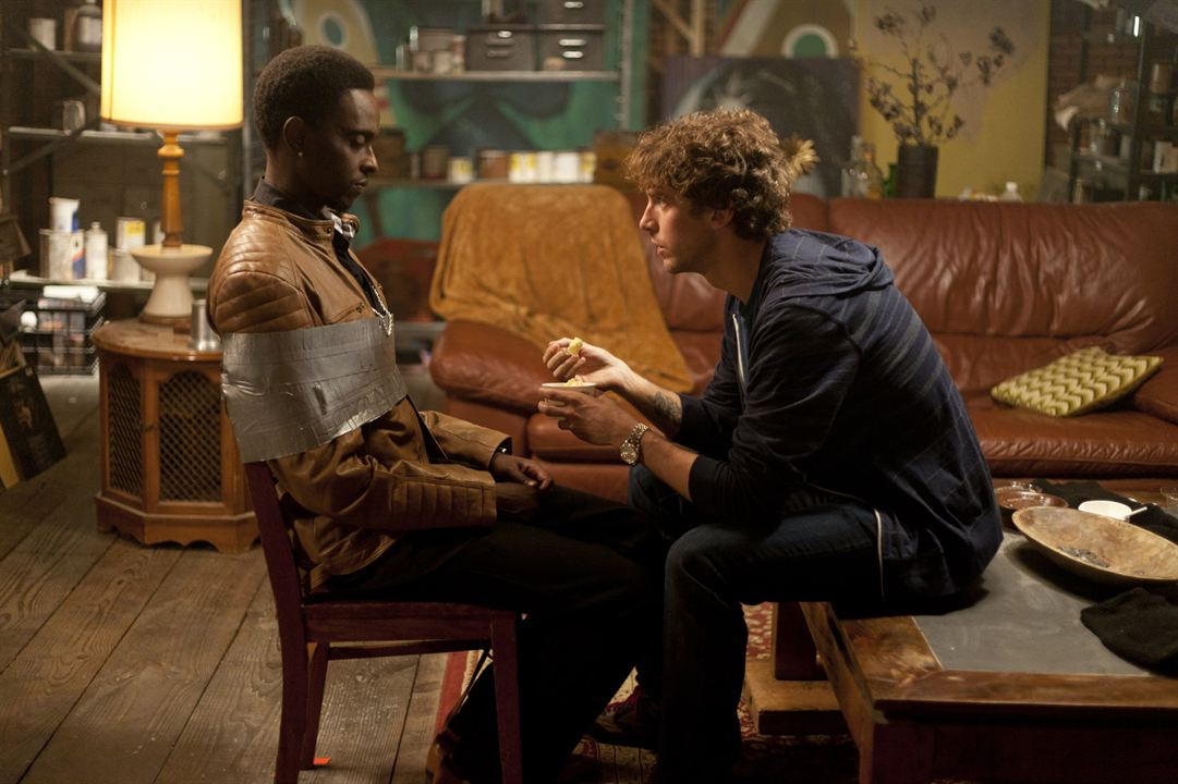 Criminal Activities : Foto Dan Stevens, Edi Gathegi