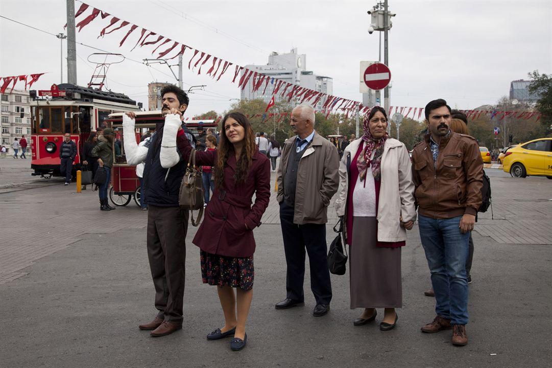 Foto Algi Eke, Cihan Ercan, Melek Baykal, Zafer Algöz